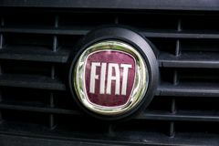 Segno Fiat dell'automobile Fotografie Stock Libere da Diritti