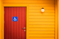 Disabled wc foto stock iscriviti gratis for Handicappato sedia a rotelle