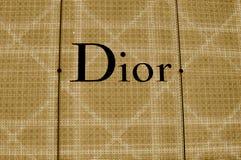 Segno illuminato del deposito di Dior immagine stock libera da diritti