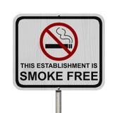 Segno libero di fumo dell'istituzione Fotografie Stock Libere da Diritti