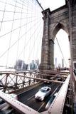 Segno, mattoni, vicino al ponte di Brooklyn Colpo verticale Fotografie Stock Libere da Diritti