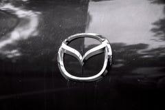 Segno Mazda dell'automobile Fotografia Stock Libera da Diritti