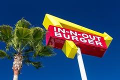 Segno in--n-fuori di esterno dell'hamburger Fotografia Stock
