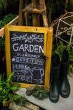 Segno per la decorazione del giardino fotografia stock libera da diritti