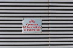 Segno per lo scaffale della bici, Regno Unito Fotografie Stock Libere da Diritti