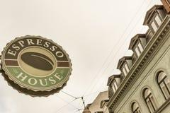Segno per un negozio del coffe a Copenhaghen Fotografie Stock Libere da Diritti