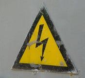 Segno pericoloso di elettricità Fotografia Stock
