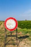 segno sbiadito limite di velocità come nessun segno di passaggio Fotografia Stock