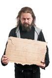 Segno senza tetto del cartone della tenuta dell'uomo Fotografie Stock Libere da Diritti