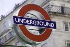 Segno sotterraneo del roundel di Londra Fotografia Stock Libera da Diritti