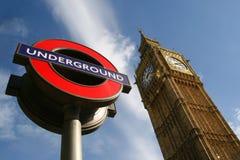 Segno sotterraneo di Londra e del grande Ben Fotografia Stock Libera da Diritti