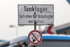 Segno tedesco del tanklager di stoccaggio di combustibile Immagini Stock Libere da Diritti