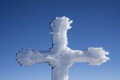 Segno trasversale di trekking coperto da neve fotografia stock libera da diritti