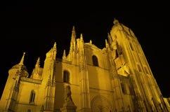 Segovia大教堂在晚上。 著名西班牙地标 免版税图库摄影
