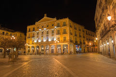 SEGOVIA, ΙΣΠΑΝΙΑ, ΑΠΡΙΛΙΟΣ - 13, 2016: Το θέατρο του Juan Bravo στο τετράγωνο δημάρχου Plaza τη νύχτα Στοκ εικόνα με δικαίωμα ελεύθερης χρήσης