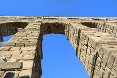 Segovia akveduktbågar - Spanien Royaltyfria Foton