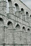 Segovia Aquaduct in zwart-wit Stock Afbeeldingen