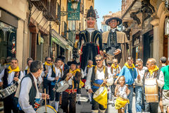 Segovia Hiszpania, Czerwiec, - 29, 2014: Giganty i duże głowy Zdjęcia Stock