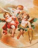 SEGOVIA, HISZPANIA: Fresk aniołowie z różanem w katedrze Nasz dama wniebowzięcie i kaplica Nasz dama różaniec fotografia royalty free