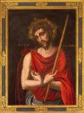 Segovia - obraz jezus chrystus w więzi i szkarłatny żakiet w kościelnym Monasterio de San Antonio el realu Obrazy Stock