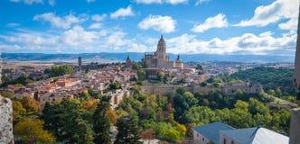 Segovia som sett från tak på alcazaren royaltyfri foto