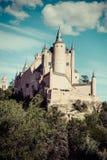 Segovia, Spanien Der berühmte Alcazar von Segovia, steigend heraus auf ein r Lizenzfreie Stockfotos