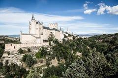 Segovia, Spanien Der berühmte Alcazar von Segovia, steigend heraus auf ein r Stockfoto