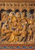 SEGOVIA SPANIEN: Polychrome lättnadsKristus under kors i hjärtförmak av kyrkliga Monasterio de San Antonio el Real från 15 cent Royaltyfri Bild