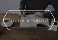 Segua i vostri sogni credono in voi stesso lo fanno accadere concetto Immagini Stock Libere da Diritti