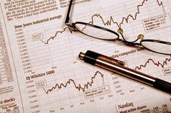 Seguindo o mercado de valores de acção Imagem de Stock