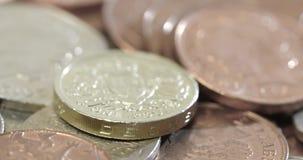 Seguindo o tiro através das moedas britânicas filme