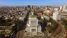 Seguir certo de Oakland do centro San Francisco pode ser considerado no fundo video estoque