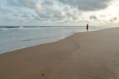 Segunda-feira à tarde na praia de Obama, Cotonou fotografia de stock