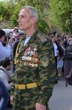 A segunda guerra mundial Vetrans chega no memorial de Chisinau Imagens de Stock Royalty Free