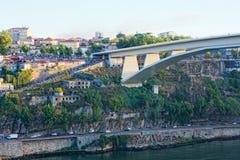 Segundero el mercado en el terraplén del río de Duoro en Oporto Fotos de archivo libres de regalías