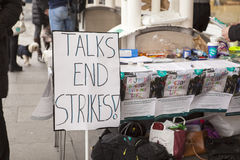 Segundo día de la huelga Imágenes de archivo libres de regalías