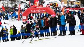 Segundo lugar Anna Haag, club de deportes de Ana y de Emilio, en el final en la raza del top de la montaña de Fjalltoppsloppet de Imagen de archivo