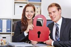 Segurança de dados no escritório para negócios imagens de stock royalty free