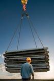 Segurando operações de levantamento da carga Fotografia de Stock Royalty Free