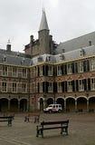 Seguridad cerca de las casas del parlamento en La Haya Imagen de archivo