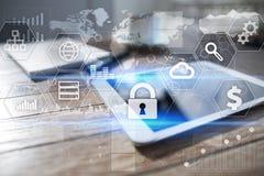 Seguridad cibernética, protección de datos, seguridad de la información Concepto de la tecnología de Internet fotos de archivo libres de regalías