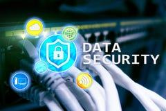 Seguridad de datos, prevención de la delincuencia cibernética, protección de información de Digitaces Cierre los iconos y el fond imagenes de archivo