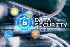 Seguridad de datos, prevención de la delincuencia cibernética, protección de información de Digitaces Cierre los iconos y el fond fotografía de archivo