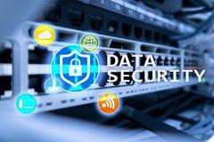 Seguridad de datos, prevención de la delincuencia cibernética, protección de información de Digitaces Cierre los iconos y el fond imágenes de archivo libres de regalías