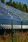 Seguridad de la estación de la energía solar Fotografía de archivo libre de regalías