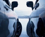 Seguridad de la impulsión del invierno Neumáticos tachonados contra los neumáticos studless Imágenes de archivo libres de regalías