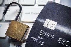 Seguridad de la tarjeta de crédito Fotografía de archivo libre de regalías