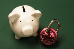 Seguridad de sus ahorros Foto de archivo libre de regalías