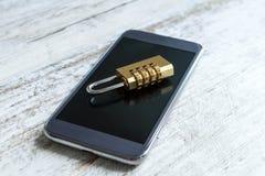 Seguridad del teléfono celular cerrada Foto de archivo