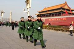 Seguridad en Plaza de Tiananmen en Pekín China Fotografía de archivo libre de regalías